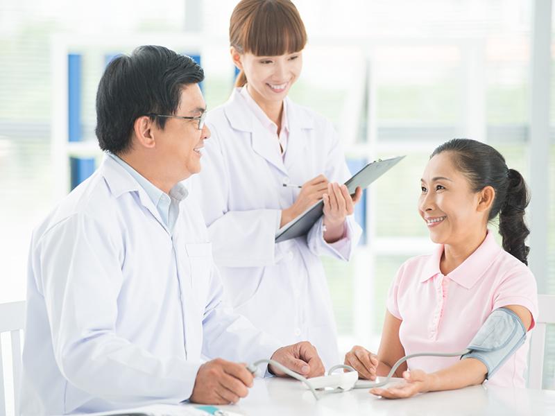 bảo hiểm sức khỏe cho người trên 65 tuổi