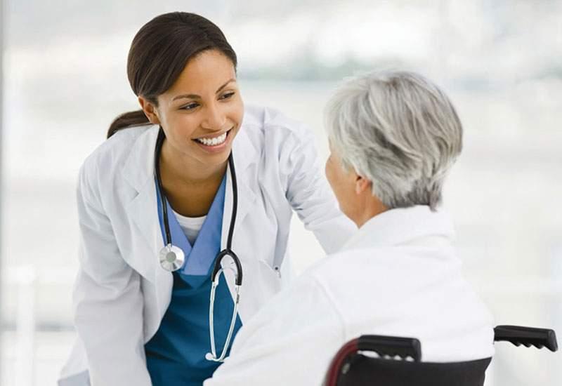 Nên chi bao nhiêu tiền mua bảo hiểm sức khỏe?