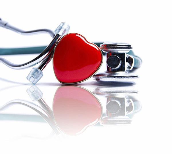 Nên mua bảo hiểm sức khỏe nào cho cả gia đình?