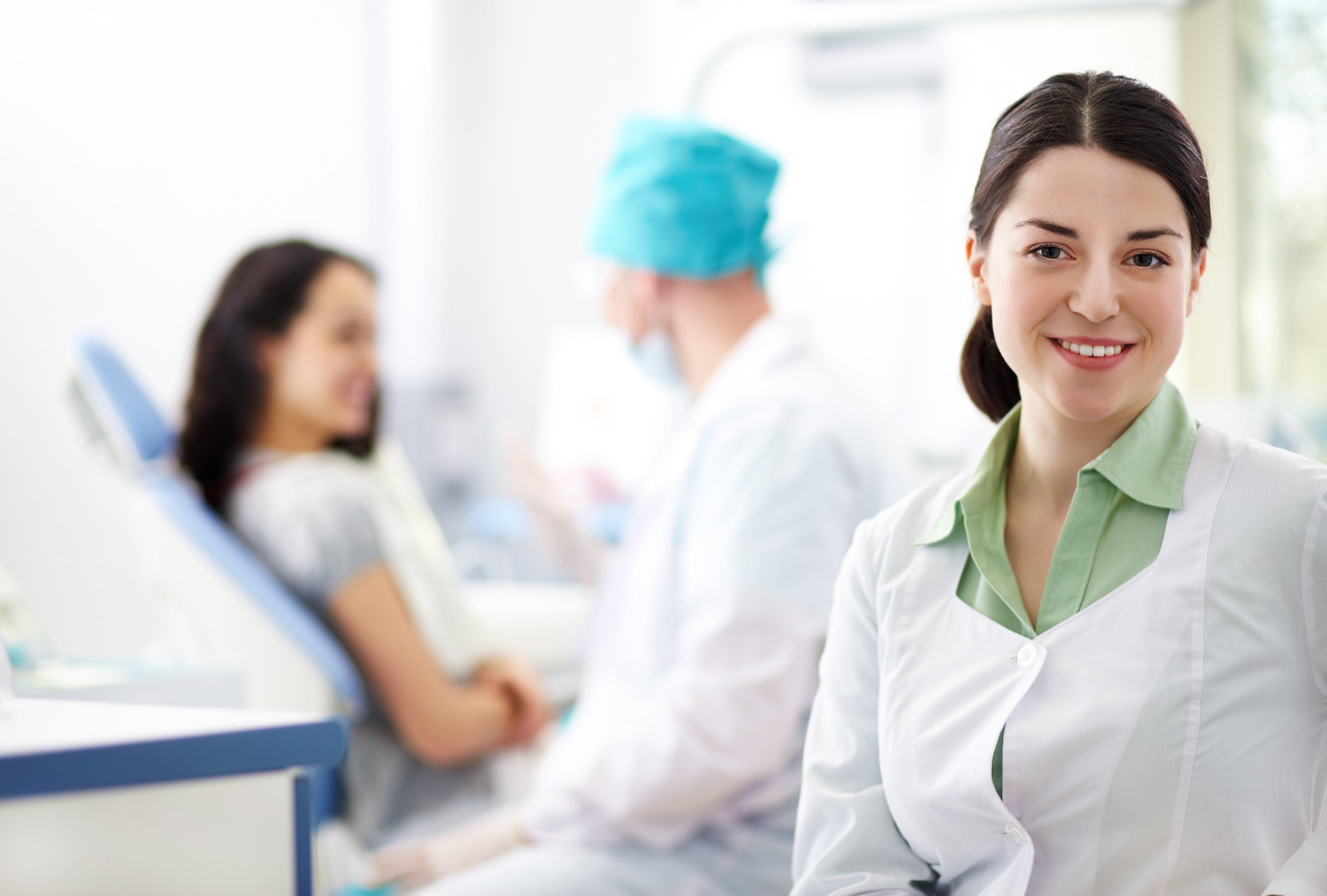 Bảo hiểm sức khỏe và bảo hiểm nhân thọ
